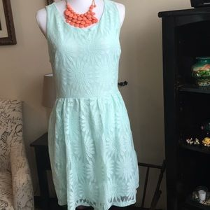 Lace formal dress, with pockets
